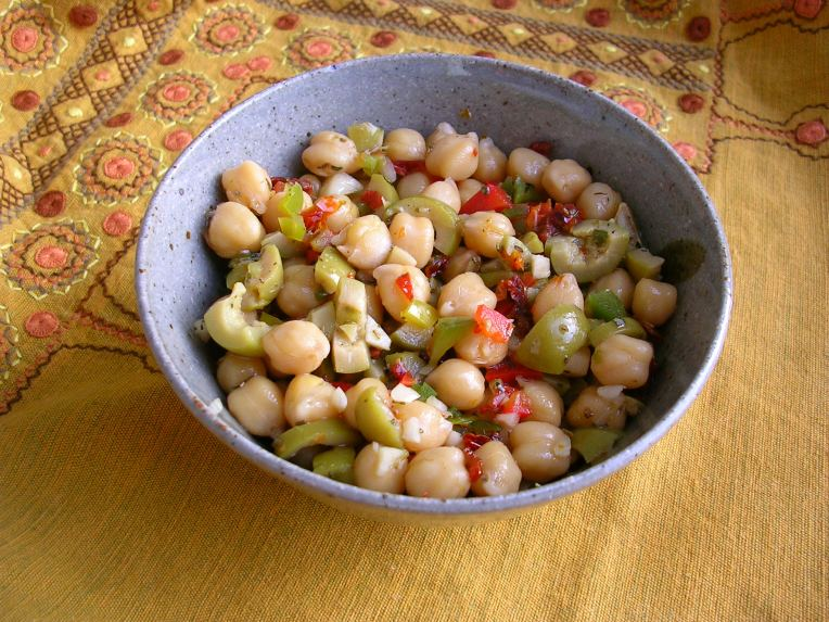 Chickpea Salad with Green Olives